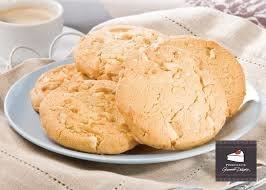 Biscuits-1-303-White-Choc-Chunk--Maca-(10)-Wrapped-Priestleys-Gluten-Free-(667721)